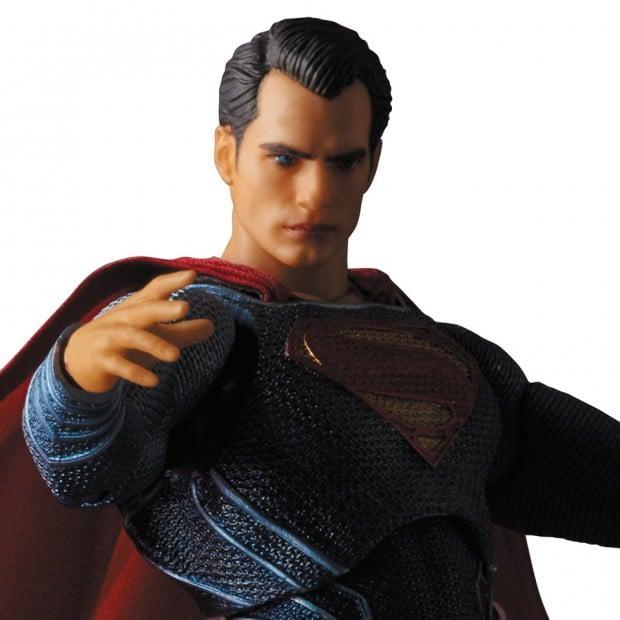mafex_batman_v_superman_dawn_of_justice_by_medicom_16