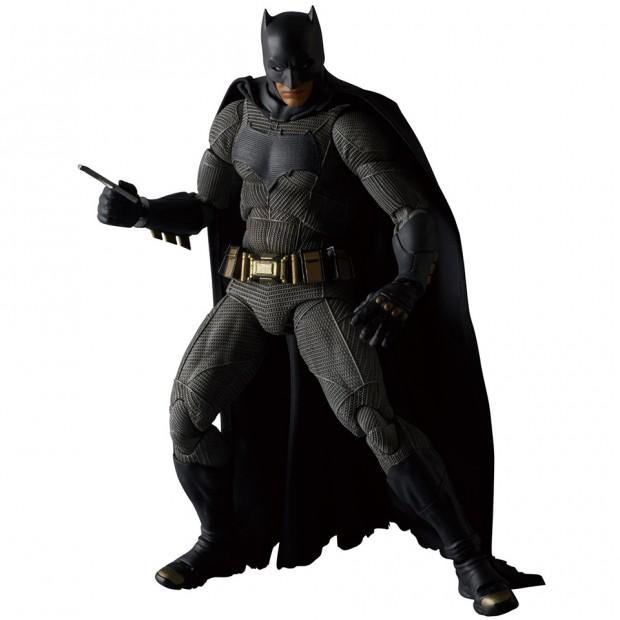 mafex_batman_v_superman_dawn_of_justice_by_medicom_3
