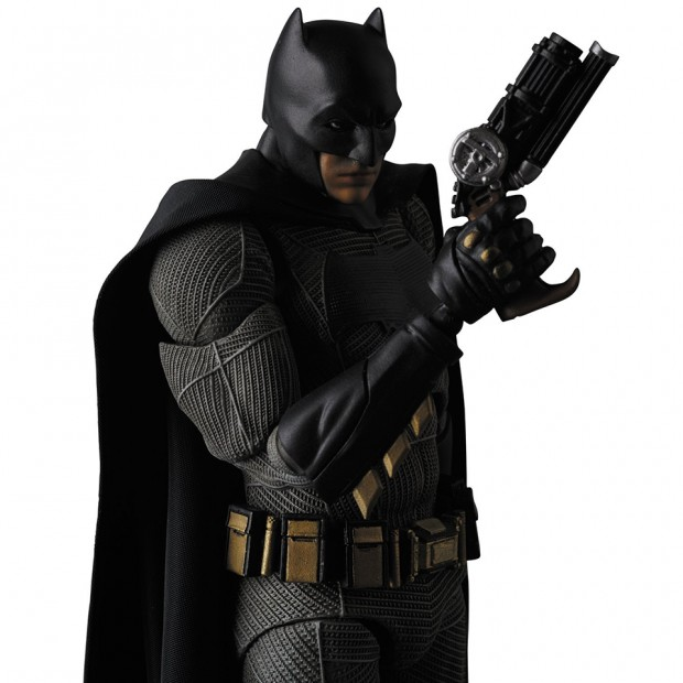 mafex_batman_v_superman_dawn_of_justice_by_medicom_5