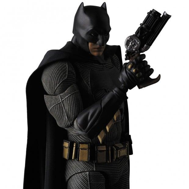 mafex_batman_v_superman_dawn_of_justice_by_medicom_5