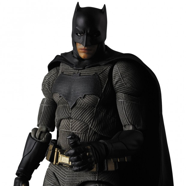 mafex_batman_v_superman_dawn_of_justice_by_medicom_6