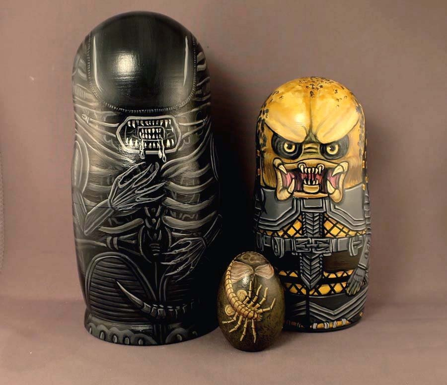 Alien vs Predator Nesting Dolls