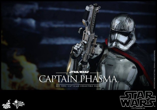 star_wars_force_awakens_captain_phasma_sixth_scale_action_figure_by_hot_toys_8