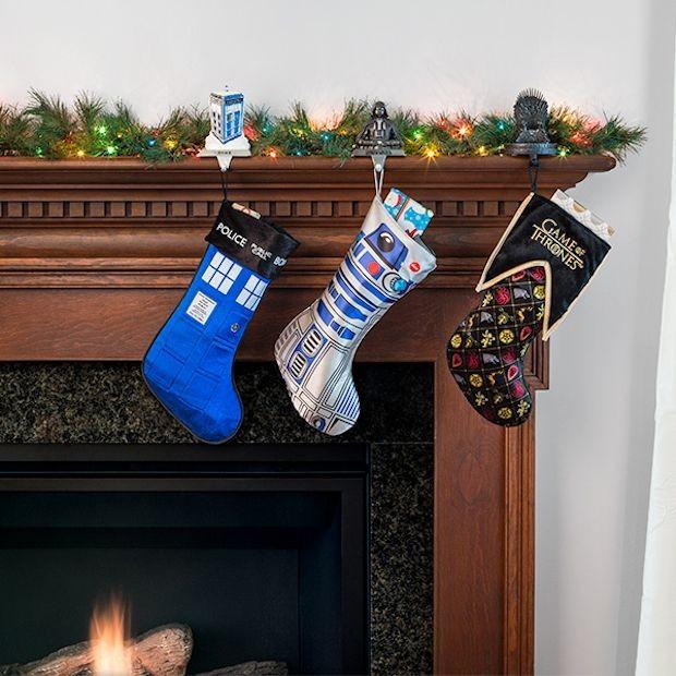 tardis_stocking_holder_3