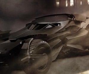 Hot Toys Batman v Superman RC Batmobile