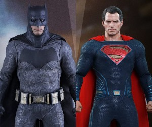 Hot Toys Batman v Superman Sixth Scale Figures