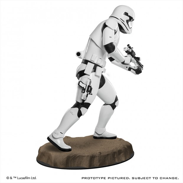 star_wars_force_awakens_first_order_stormtrooper_life_size_statue_anovos_2