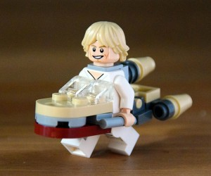 Star Wars LEGO Minifigs Dressed in Spaceship Costumes