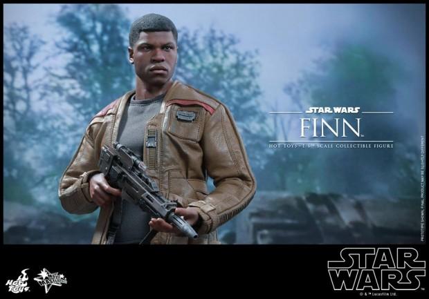 star_wars_vii_finn_riot_control_stormtrooper_hot_toys_11
