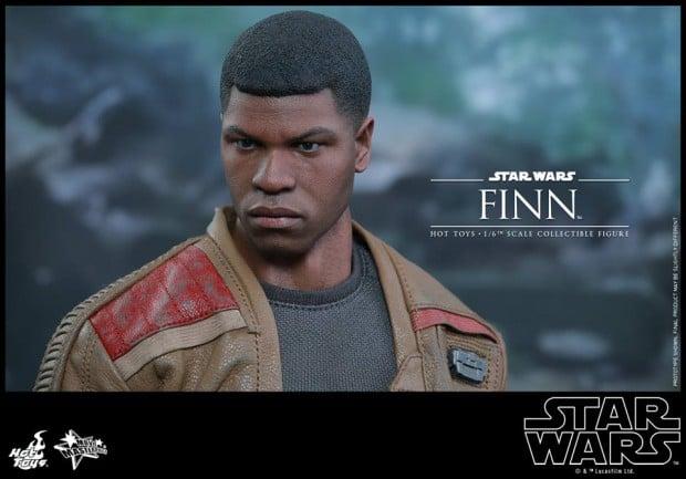 star_wars_vii_finn_riot_control_stormtrooper_hot_toys_13