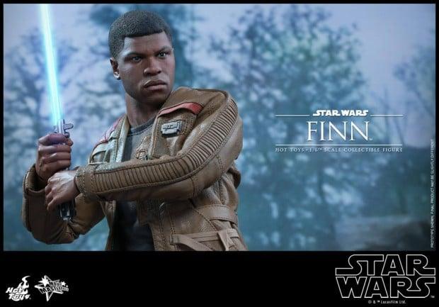 star_wars_vii_finn_riot_control_stormtrooper_hot_toys_6
