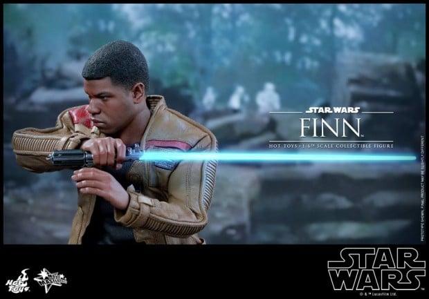 star_wars_vii_finn_riot_control_stormtrooper_hot_toys_7