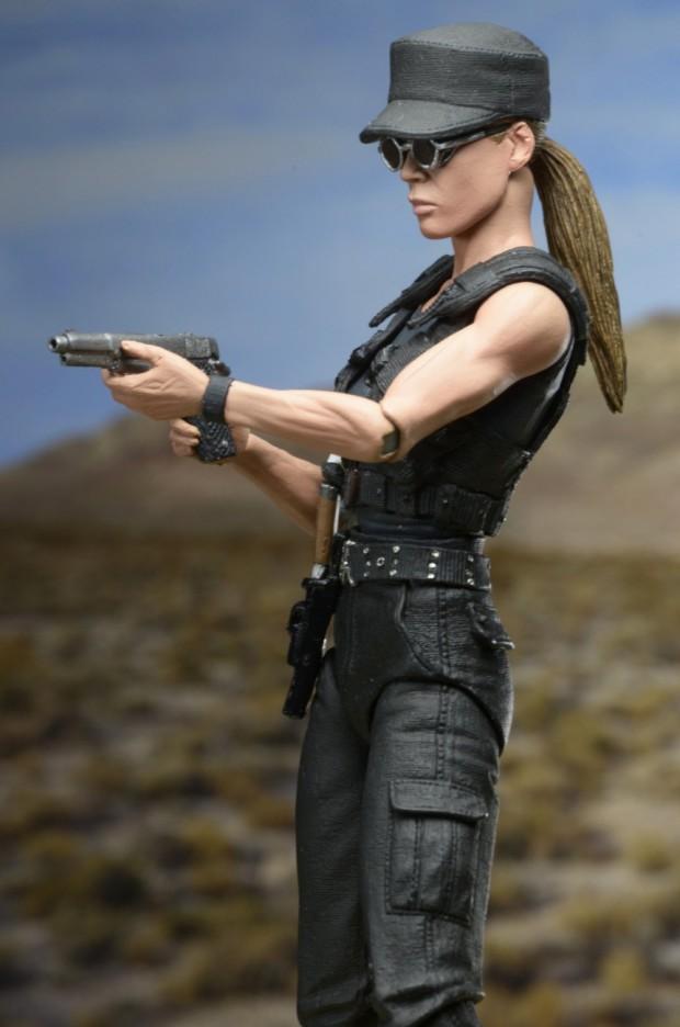 terminator_2_ultimate_sarah_connor_action_figure_neca_10