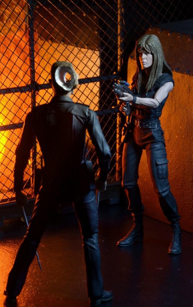 terminator_2_ultimate_sarah_connor_action_figure_neca_5