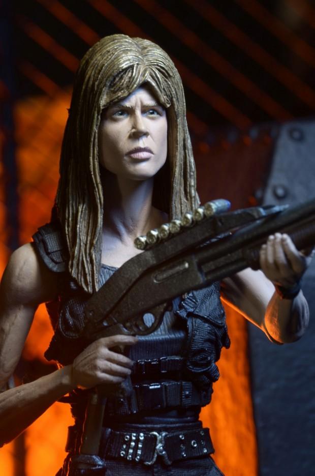terminator_2_ultimate_sarah_connor_action_figure_neca_7