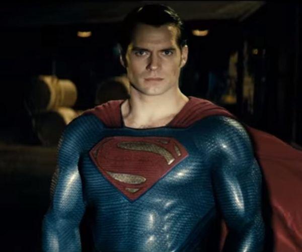 New Batman v Superman TV Spot: Batmobile v Superman