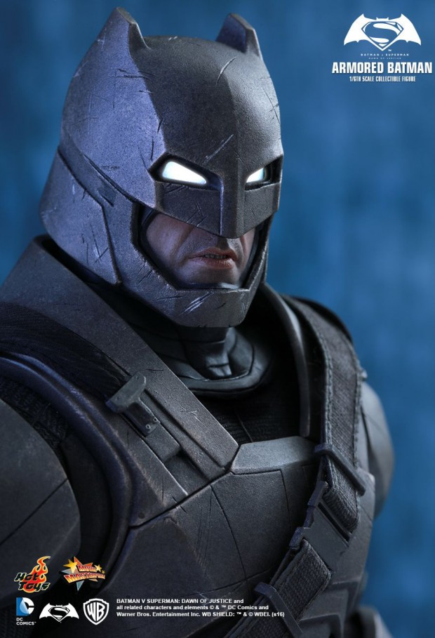 batman_v_superman_armored_batman_sixth_scale_action_figure_by_hot_toys_19