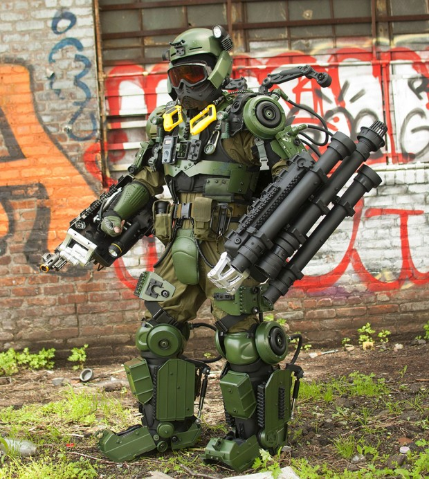 edge-of-tomorrow-exo-suit-cosplay-by-peter-kokis_4