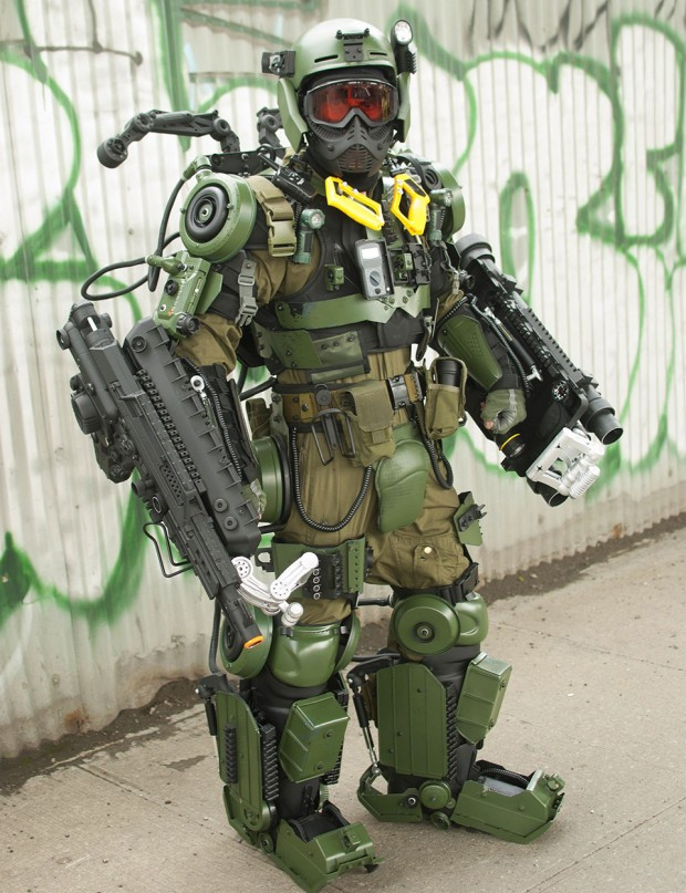 edge-of-tomorrow-exo-suit-cosplay-by-peter-kokis_5
