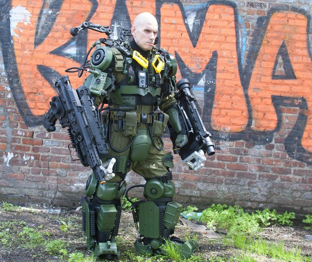edge-of-tomorrow-exo-suit-cosplay-by-peter-kokis_6