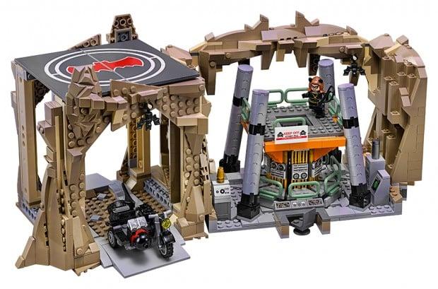 lego_76052_batman_classic_tv_series_batcave_2