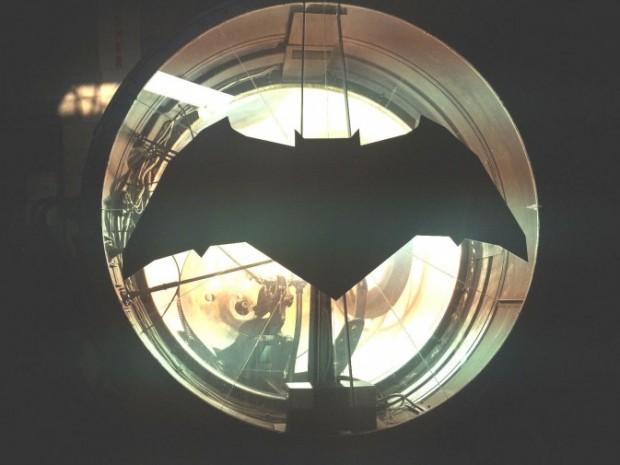 bat_signal_3