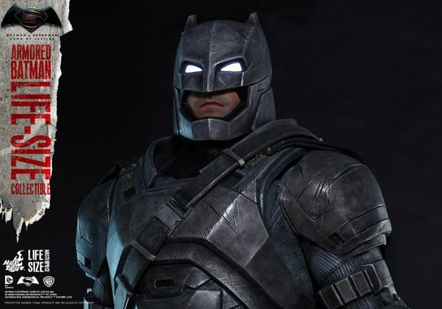 batman_v_superman_armored_batman_life_size_statue_by_hot_toys_8