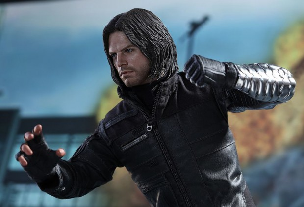 captain_america_civil_war_winter_soldier_sixth_scale_action_figure_hot_toys_22