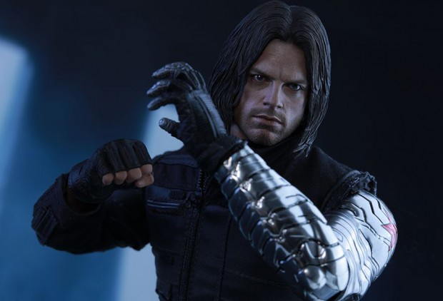 captain_america_civil_war_winter_soldier_sixth_scale_action_figure_hot_toys_23