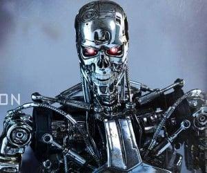Hot Toys Terminator: Genisys 1/6th Scale Endoskeleton Figure