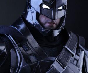 black_chrome_armored_batman_action_figure_hot_toys_10