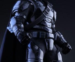 black_chrome_armored_batman_action_figure_hot_toys_5
