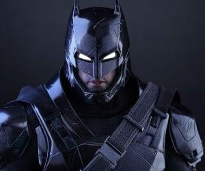 black_chrome_armored_batman_action_figure_hot_toys_8