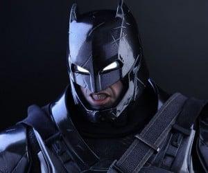 black_chrome_armored_batman_action_figure_hot_toys_9