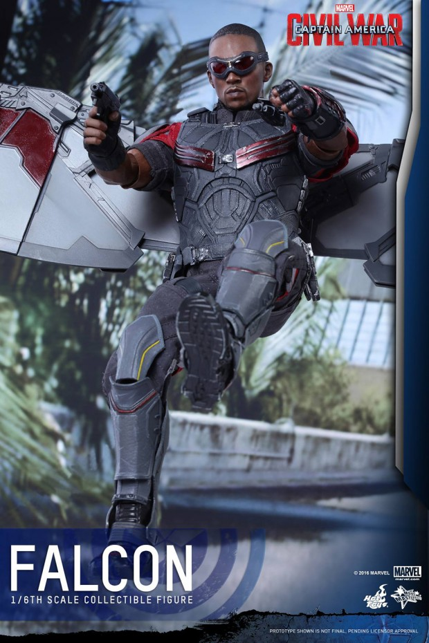 hot_toys_civil_war_falcon_sixth_scale_action_figure_15
