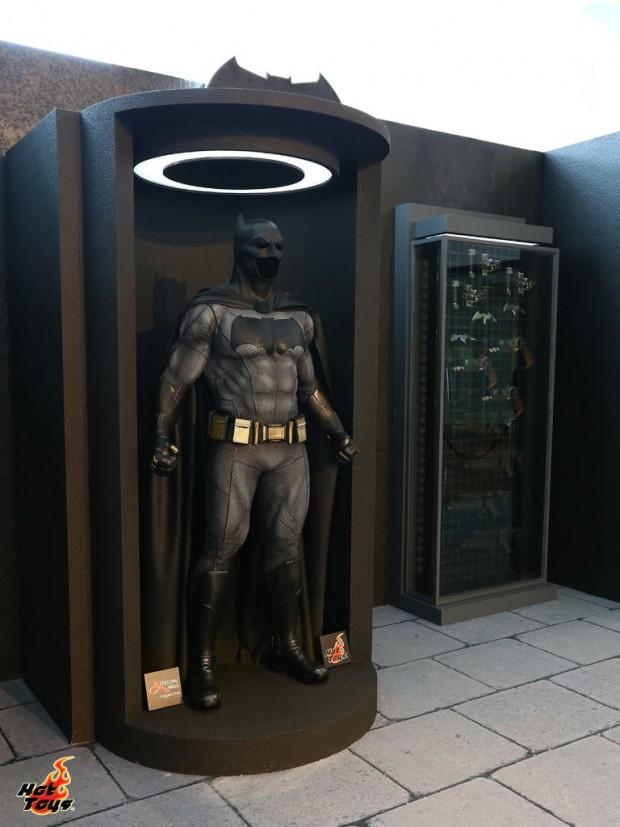hot_toys_festival_walk_batman_v_superman_dawn_of_justice_2