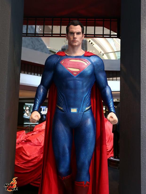 hot_toys_festival_walk_batman_v_superman_dawn_of_justice_3