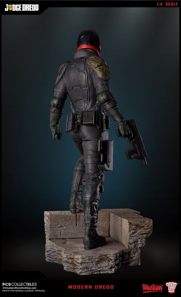 judge_dredd_fourth_scale_statue_by_pop_culture_shock_collectibles_5