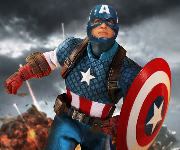 Mezco One:12 Collective Captain America Action Figure