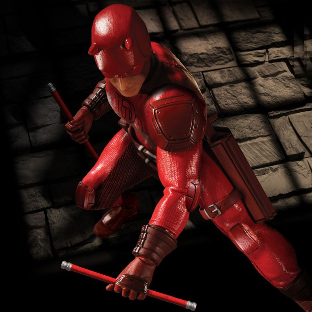 one_12_collective_daredevil_action_figure_by_mezco_toyz_3