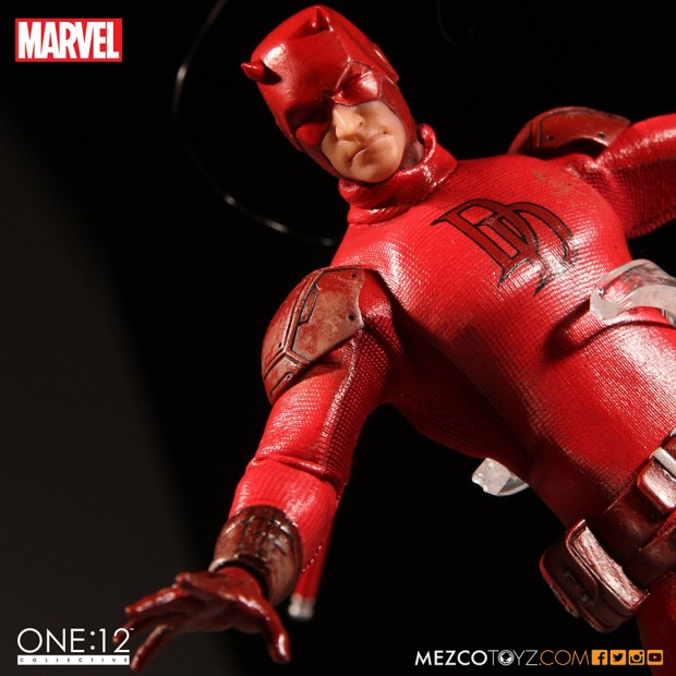 one_12_collective_daredevil_action_figure_by_mezco_toyz_5