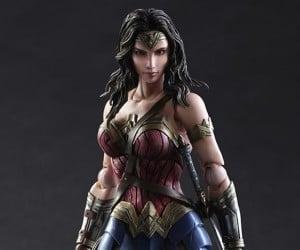 Play Arts Kai Wonder Woman Action Figure