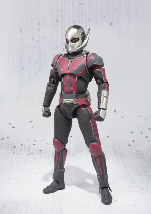 sh_figuarts_ant-man_capt_america_civil_war_action_figure_by_bandai_2