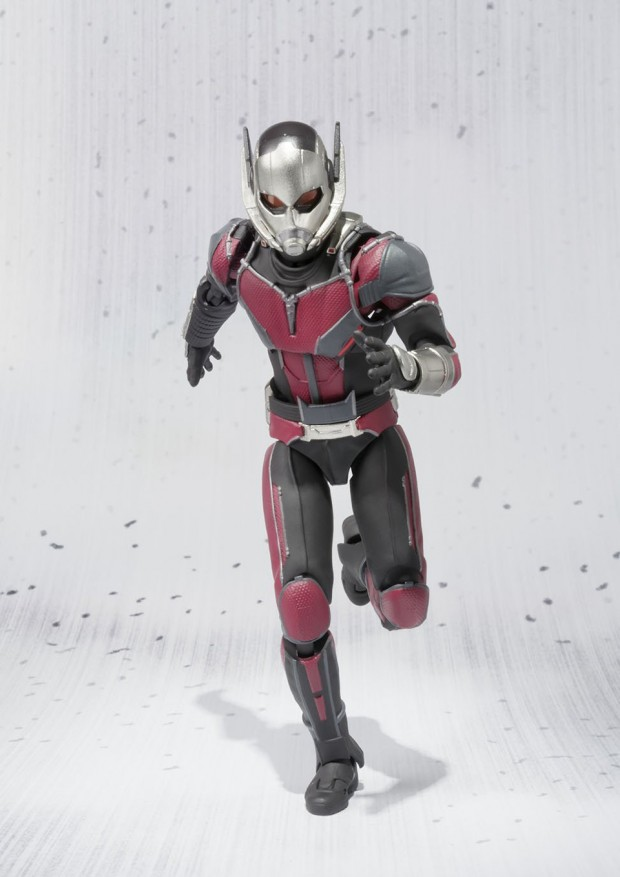 sh_figuarts_ant-man_capt_america_civil_war_action_figure_by_bandai_3