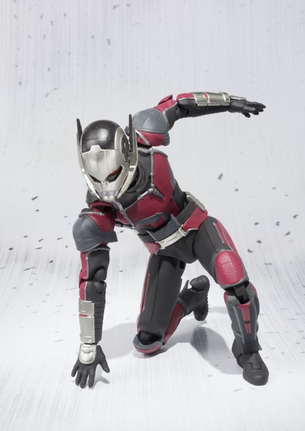 sh_figuarts_ant-man_capt_america_civil_war_action_figure_by_bandai_5