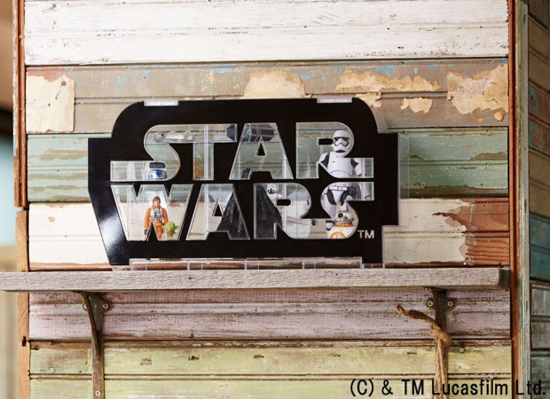 star_wars_logo_display_case_by_takara_tomy_9