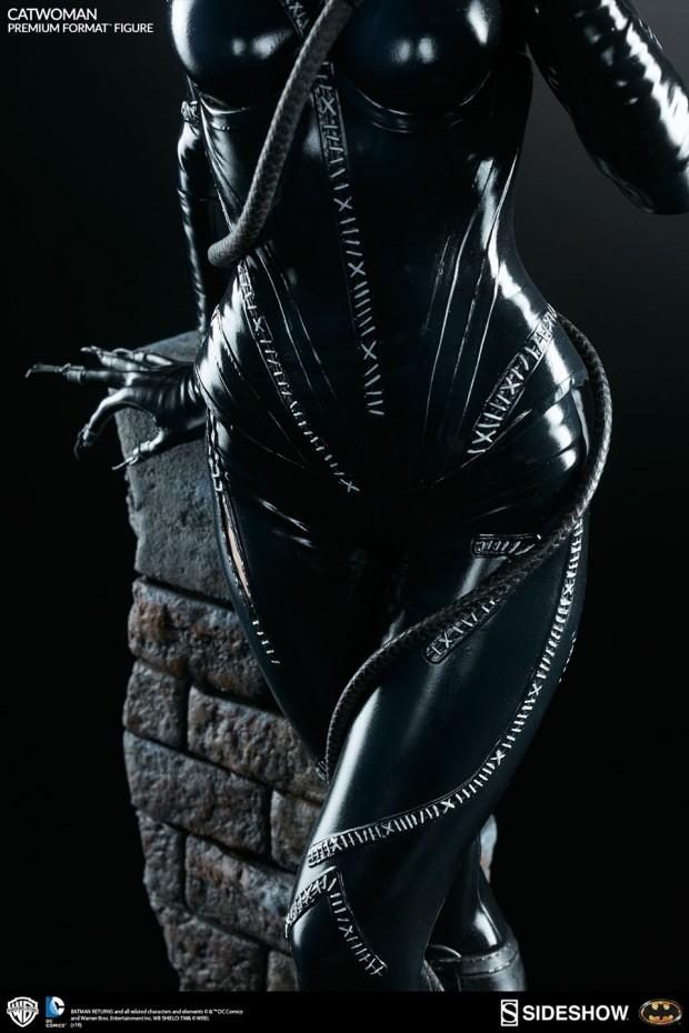batman_returns_catwoman_premium_format_figure_by_sideshow_collectibles_11