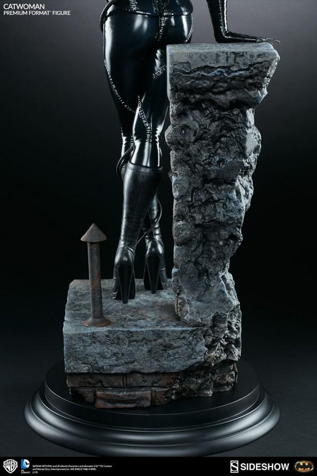 batman_returns_catwoman_premium_format_figure_by_sideshow_collectibles_12