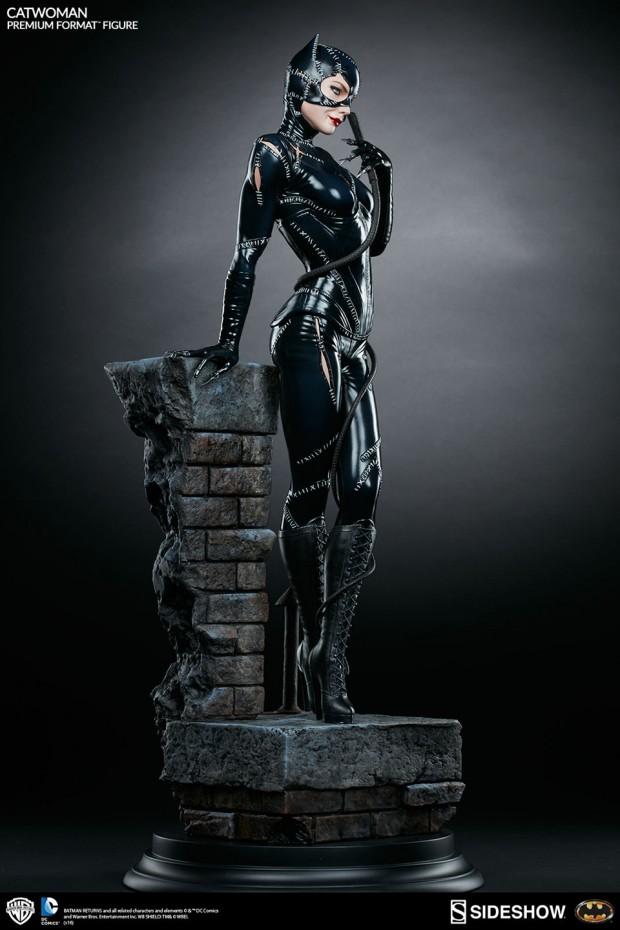 batman_returns_catwoman_premium_format_figure_by_sideshow_collectibles_2