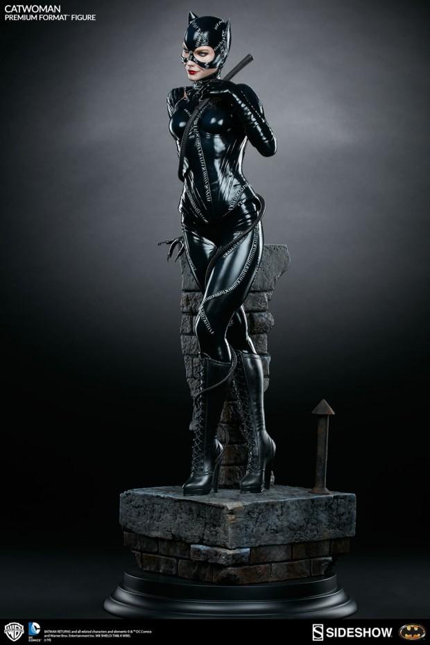 batman_returns_catwoman_premium_format_figure_by_sideshow_collectibles_3